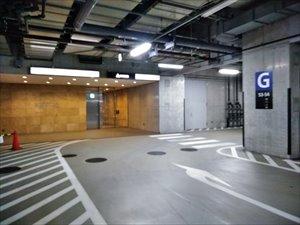 赤坂Bizタワーに有料の地下駐車場