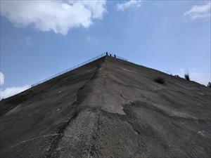 ピラミッド型展望台に車椅子で上がる 高滝湖PAバリアフリー状況