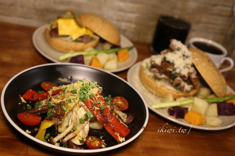 彰化AGA Burger|手作漢堡,無聊在逛ptt美食版的時候,西門町原店面暫停營業,近彰化火車站 - Kiwi 樂活食旅