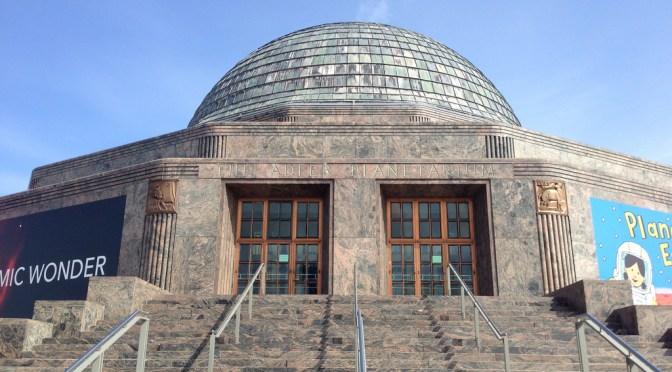 地球と宇宙の魅力を語るシカゴのプラネタリウム「アドラープラネタリウム」