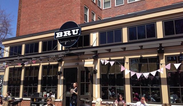 """ハンバーガー好きなら一度は行っておくべきインディアナポリスのハンバーガーレストラン""""BRU Burger Bar"""""""