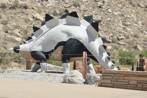 Stegosaurus statue