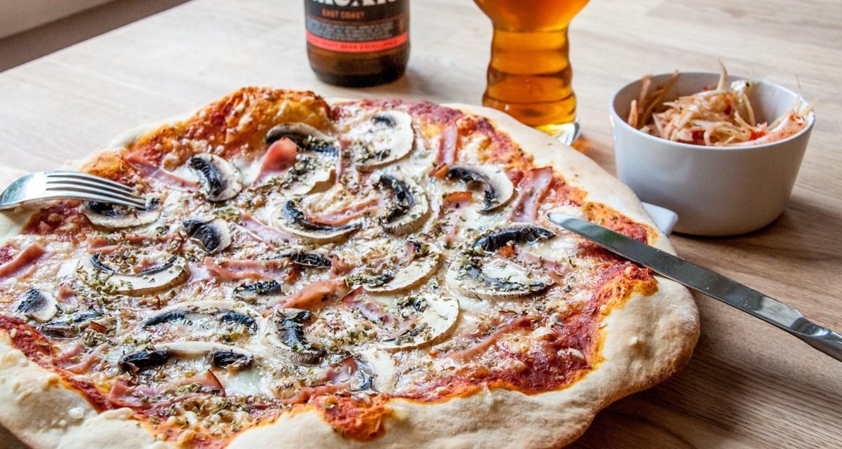 Enkel hemgjord Pizza
