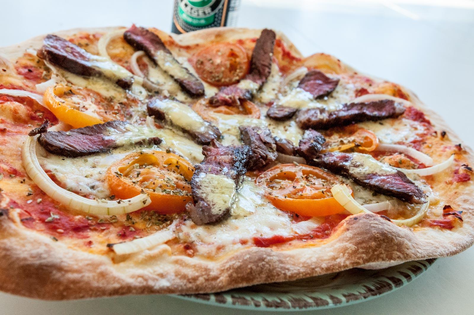 enkel pizzadeg med jäst