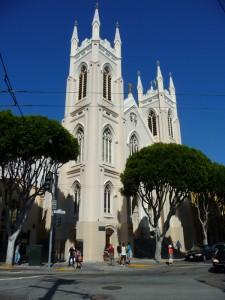 Une des nombreuses églises du quartier