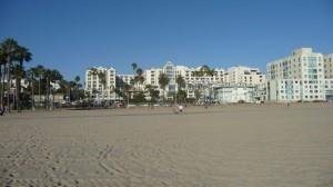 l'hotel vu de la plage