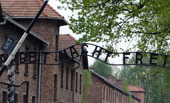 Arbeit macht frei (Auschwitz)