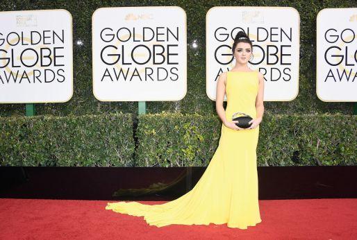 Maisie Williams usando Ong Oaj Pairam. Foto: Getty Images.