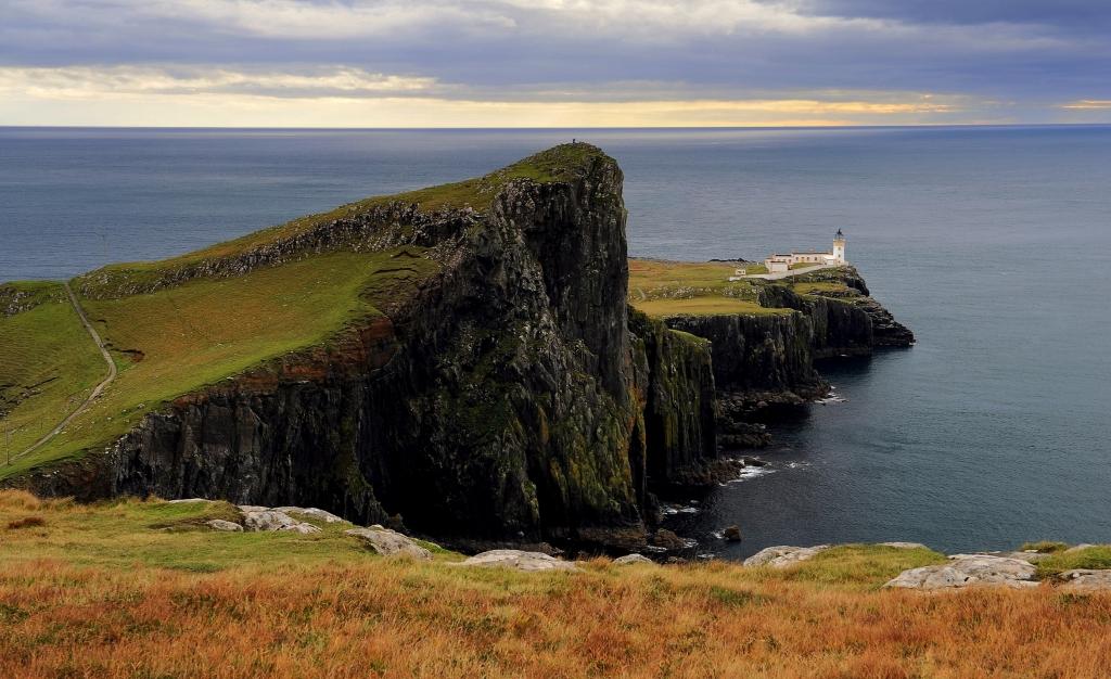 Faro di NEIST POINT nel punto più a ovest dell'isola di Skye