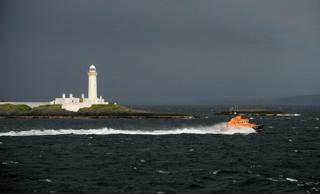 La vista dal ferry verso Barra, appena prima dell'esplosione della tempesta...