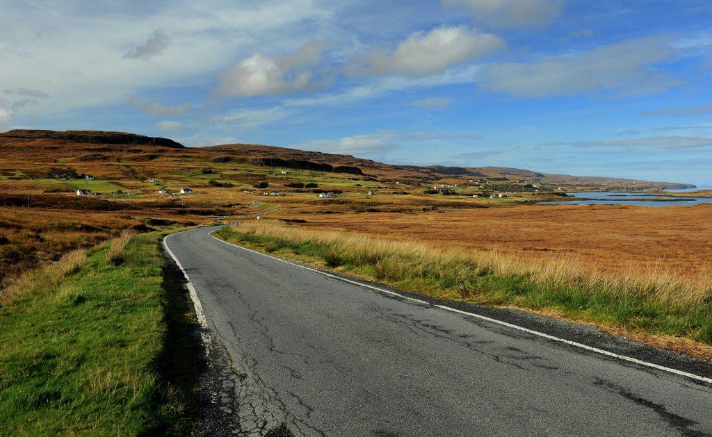 Single Track road verso COLBOST