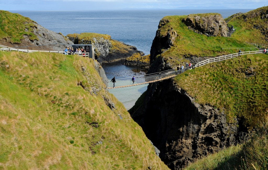 Il celebre CARRICK-A-REDE ROPE BRIDGE