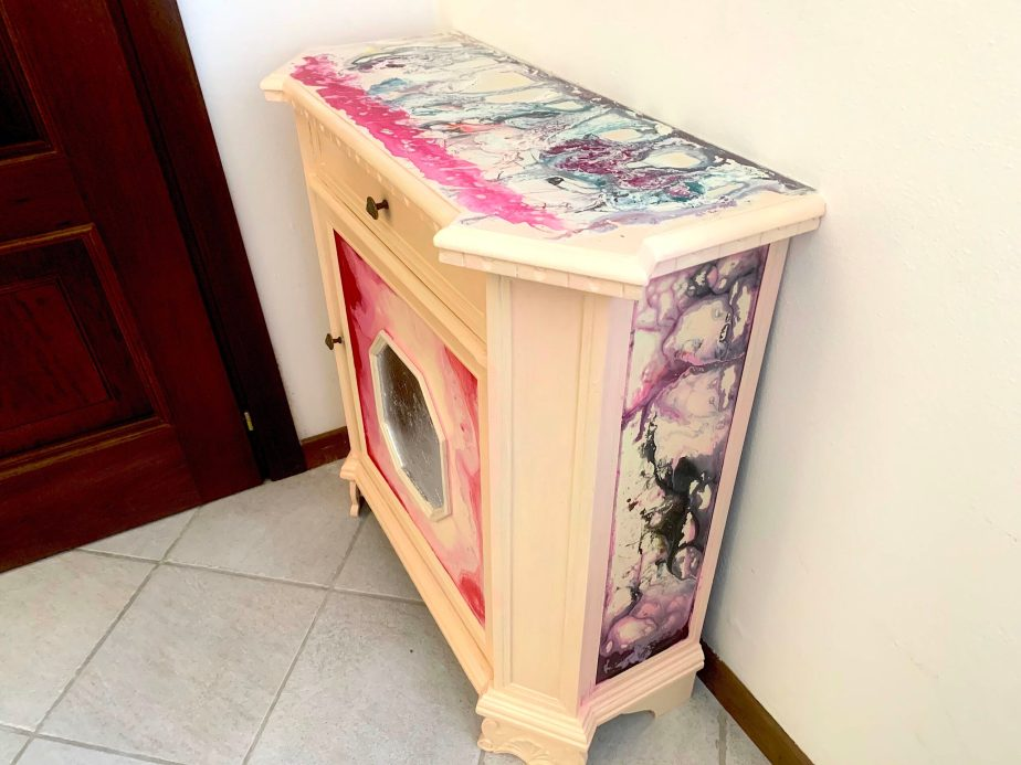 Painted-furniture-4