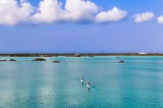 Chalck Sound: il modo migliore per godere di questo paradiso è attraversarlo in kayak.
