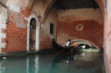 rio del Malatin sotto la chiesa di Santo Stefano in barchetta - foto: Chiara Becattini