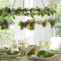 Decorare la tavola con erbe aromatiche