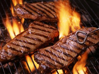 picture of steak on bbq