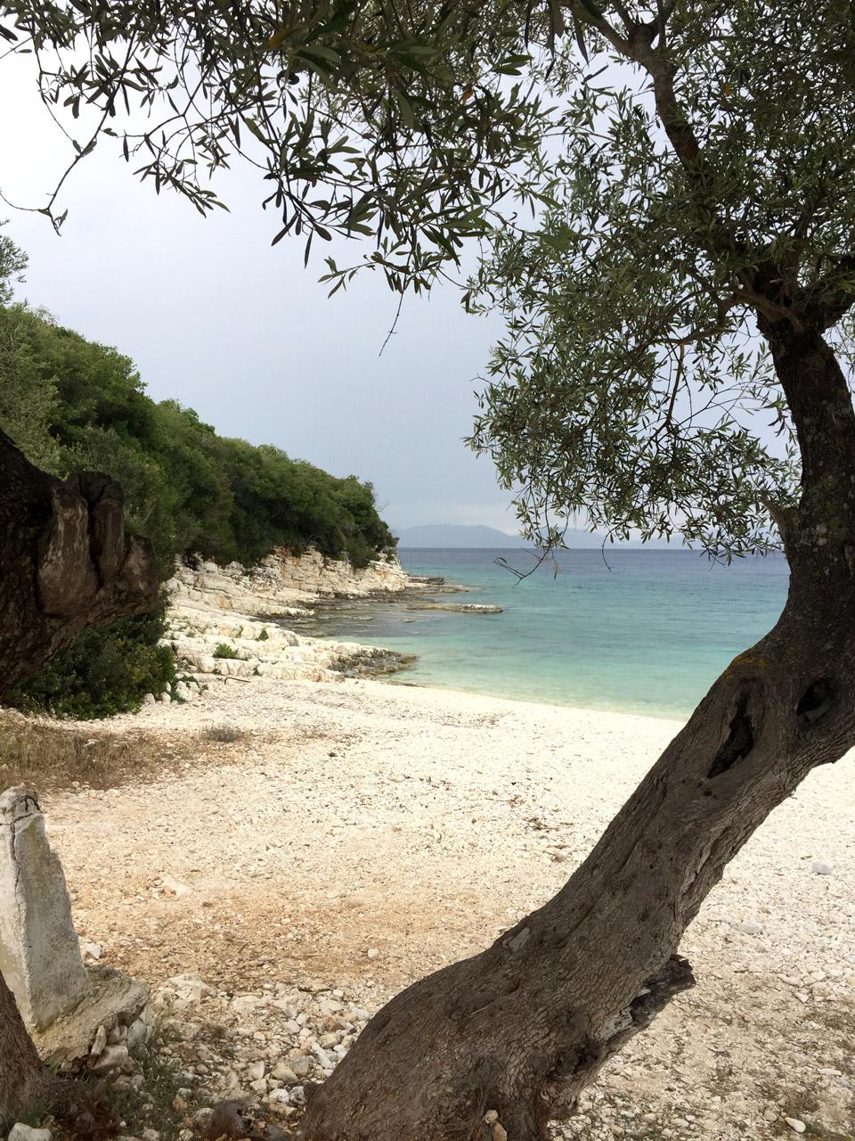 Emplusi Beach - Road trip en Céphalonie par Il etait une veggie