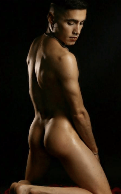 Erik from Soy Tuyo for gay escorts in the real south