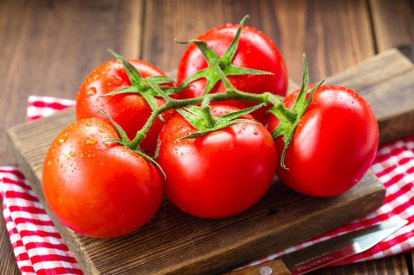 tomatoes--5-foods-for-healthy-skin by iliketotalkblog