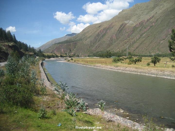 Highway between Cusco (Cuzco) and Puno road, travel