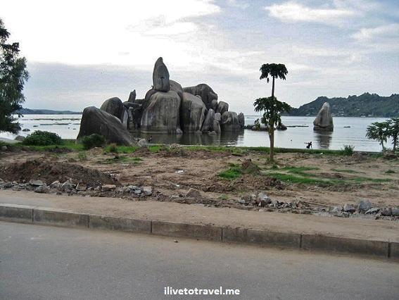 Bismarck Rock in Mwanza (Tanzania), by Lake Victoria