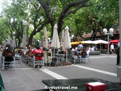 Calle Sarmiento in Mendoza, Argentina