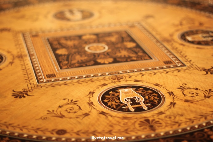 table, French, Etruscan, Minneapolis, art, photo, Canon EOS Rebel