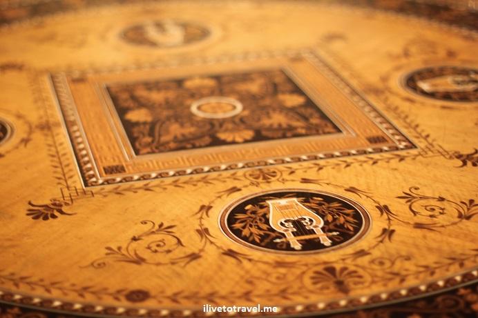 table, French, Etruscan, Minneapolis, art, photo, Canon EOS Rebel
