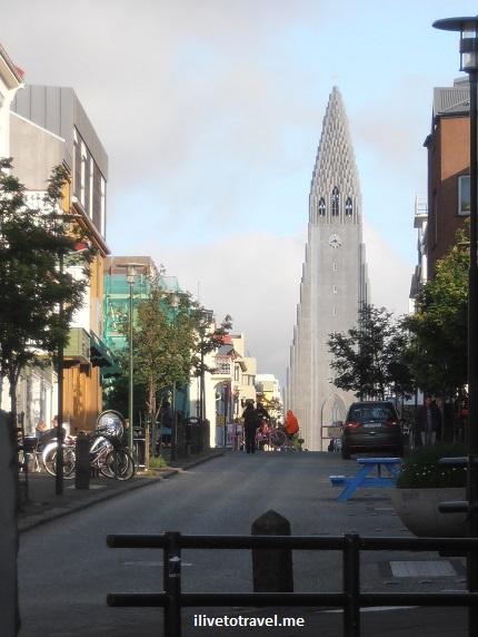 Reykjavik, Iceland, street scene, travel, pedestrian street, Laugavegur, Hallgrimskirkja, church, tower,Olympus