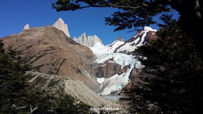 Fitz Roy, Chaltén, glacier national park, parque nacional glaciares, Patagonia, Argentina, hiking, trekking, photo, travel, Samsung Galaxy, mountains, blue sky