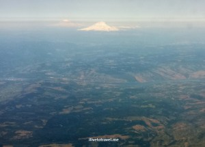 Mt St Helens, Mt Adams, Columbia River, Columbia River gorge, airplane view, travel, photo, Samsung Galaxy