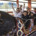 Thousands want theme park back