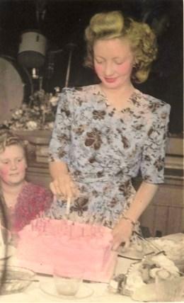 Marcia cutting cake *Portrait*