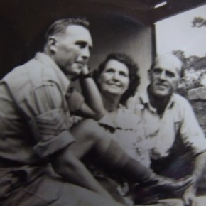 1942 - John Foulds with parents on leave WW2