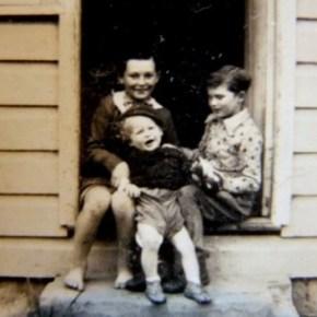 1954 - Jim Chris & John on front step of Blue Gum