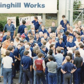 31 October 1991 - Steelworkers picketing outside BHP's Springhill works. The entire Port Kembla steel industry shut down when 10,000 steelworkers stopped work - from the Illawarra Mercury Collection - P27310