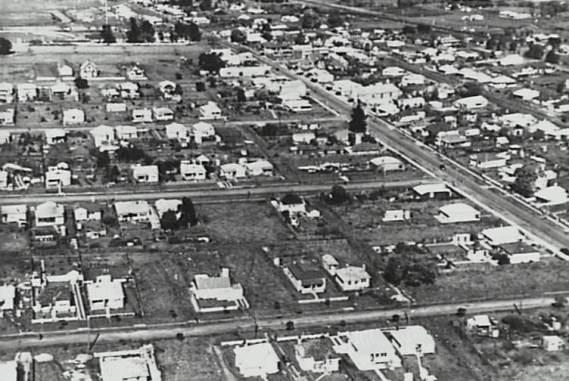 P03775 - Aerial view of Dapto, c.1950