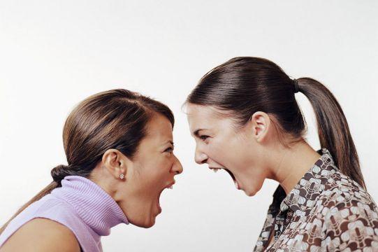 How Women Argue