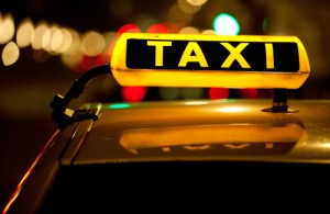 Taxi driver charges tourists €485 for Schiphol to Amsterdam hotel trip