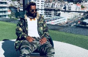 Watch: Sjava and his mum sing together on stage