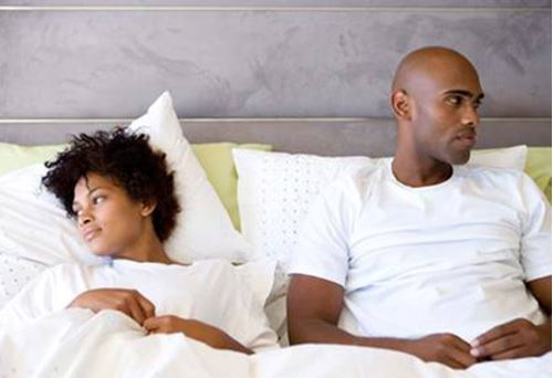 5 obvious signs your man isn't enjoying s*x with you