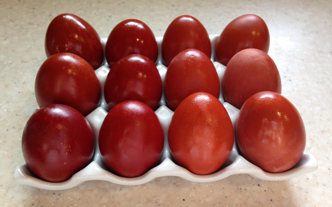How to Naturally Dye Eggs with Onion Skins for Pascha