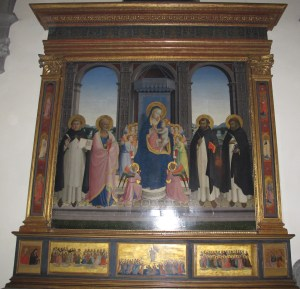 Photograph of the Fiesole Altarpiece. Photograph from Wikimedia Commons.