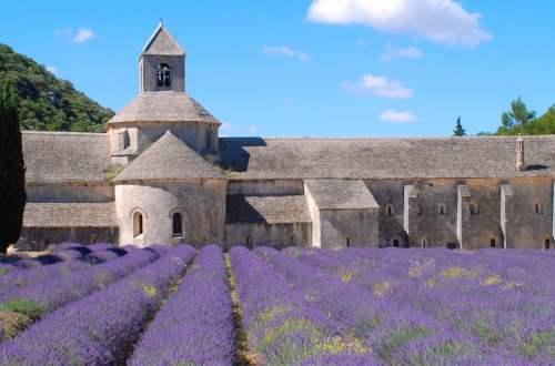 article-de-blog-illustration-de-patrimoine-monument-religieux