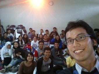 Selfie time! Bersama seluruh peserta (well, ada yang nggak kena foto sih)