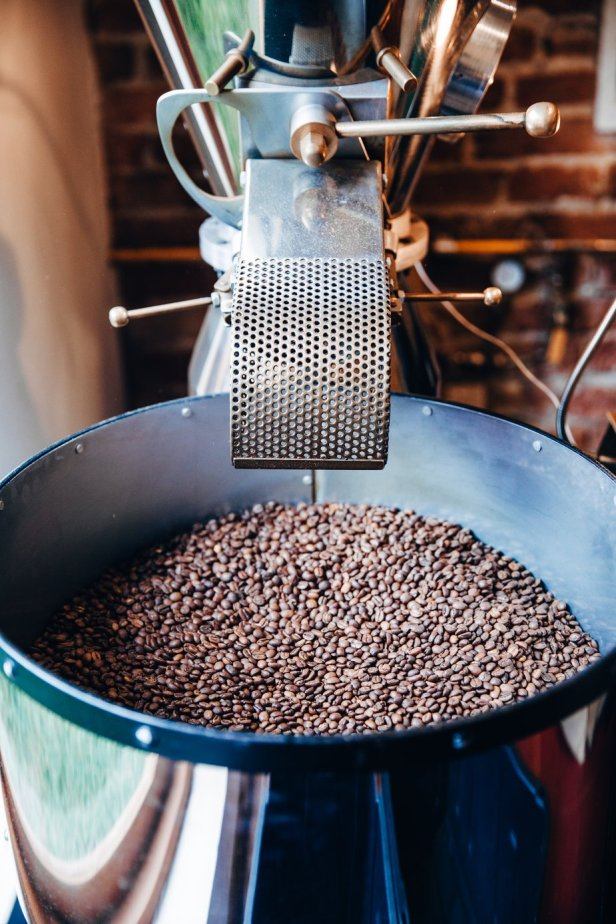 roaster-at-local-coffee-business