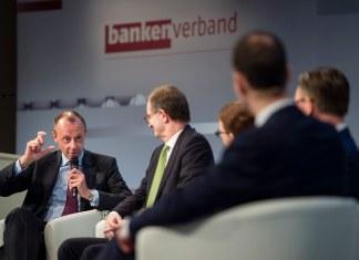"""Merz: """"Rinuncio al presidio CDU a favore delle donne"""". E intanto fa una gaffe"""