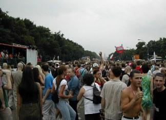 Berlino, Carnevale Techno simile alla Love Parade: potrebbe tenersi a luglio 2022