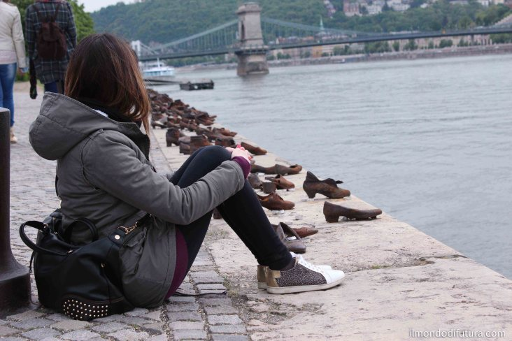 budapest monumento scarpe danubio